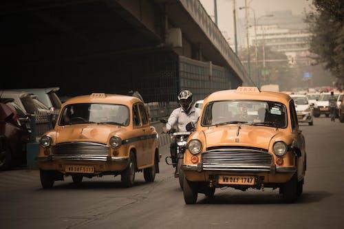 Kostenloses Stock Foto zu indien, stadt, taxi, vintage
