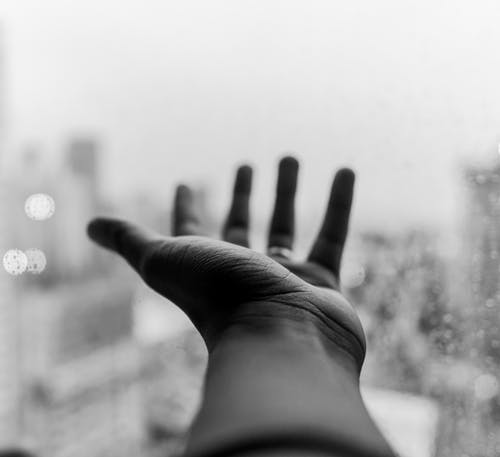 Imagine de stoc gratuită din ajunge la, alb-negru, degete