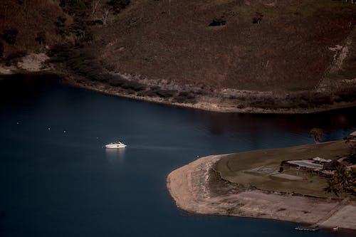 Ilmainen kuvapankkikuva tunnisteilla huvijahti, jahti, joki
