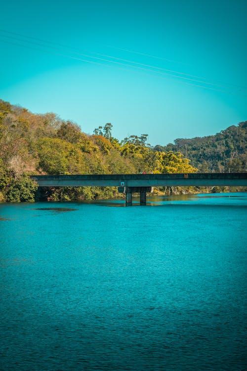 Ilmainen kuvapankkikuva tunnisteilla joki, polku, raja