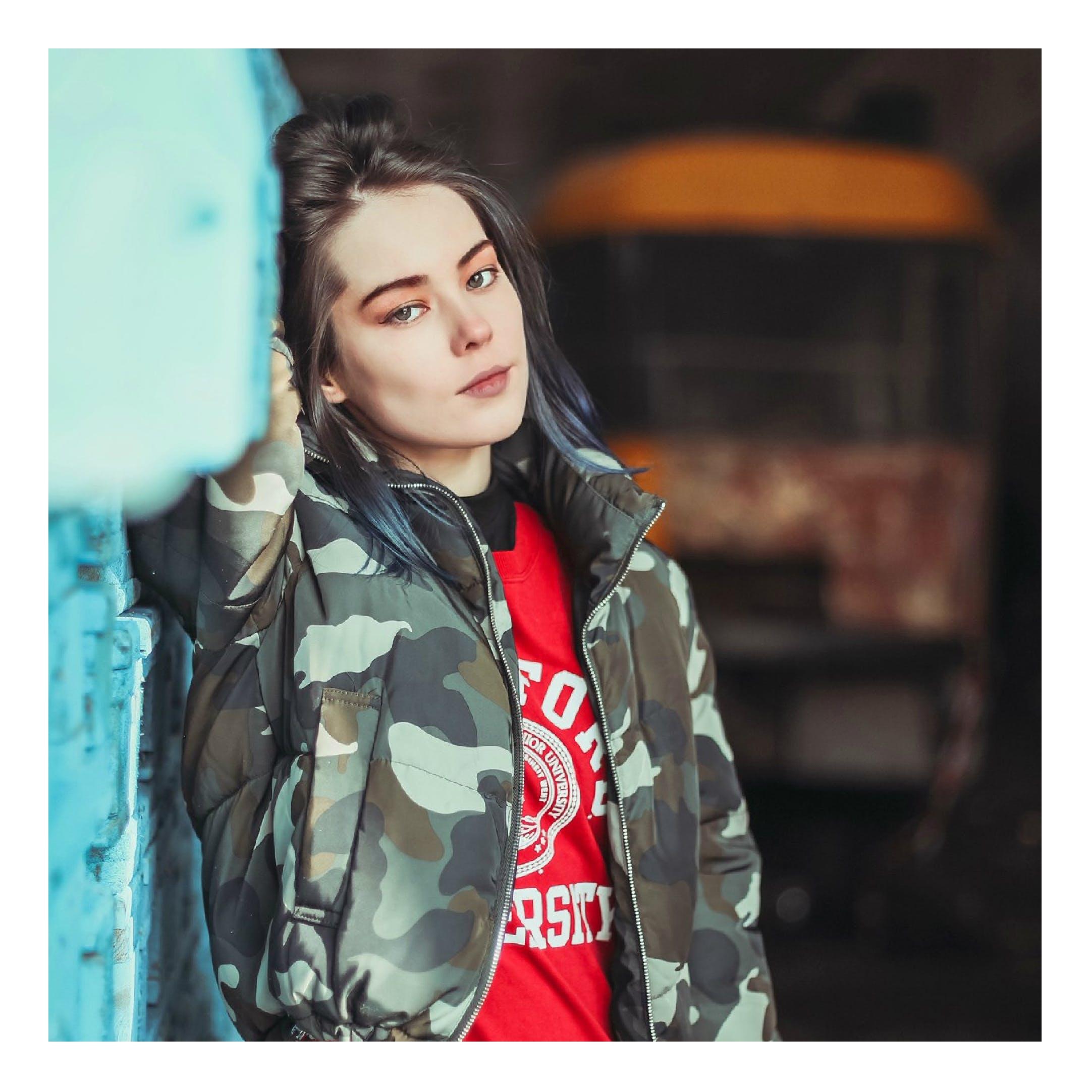 Kostnadsfri bild av flicka, ha på sig, jacka, kvinna