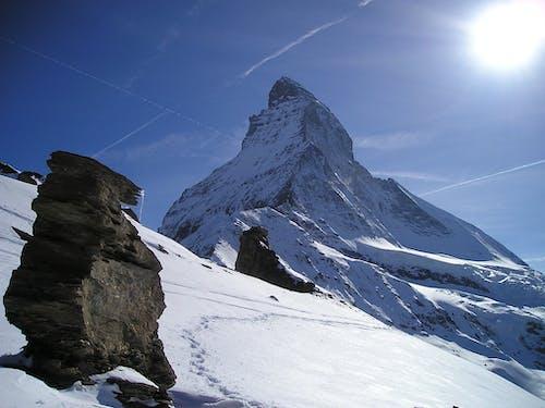 dağlar, doğa, kar, kayalar içeren Ücretsiz stok fotoğraf