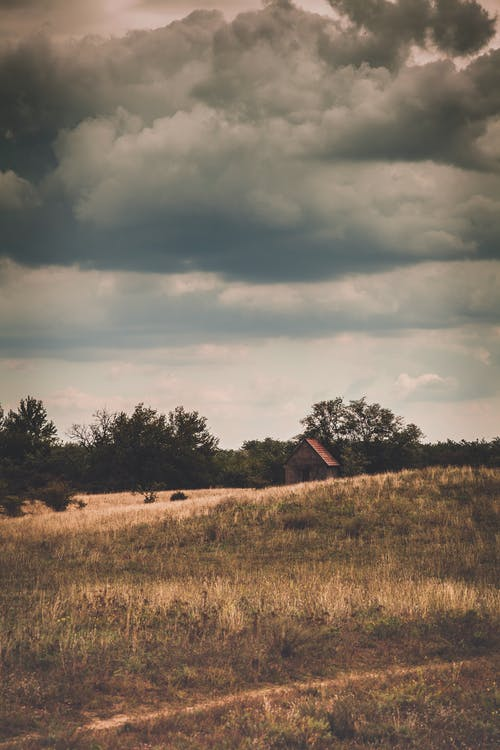 Безкоштовне стокове фото на тему «збираються хмари, поле, тур, хмари»