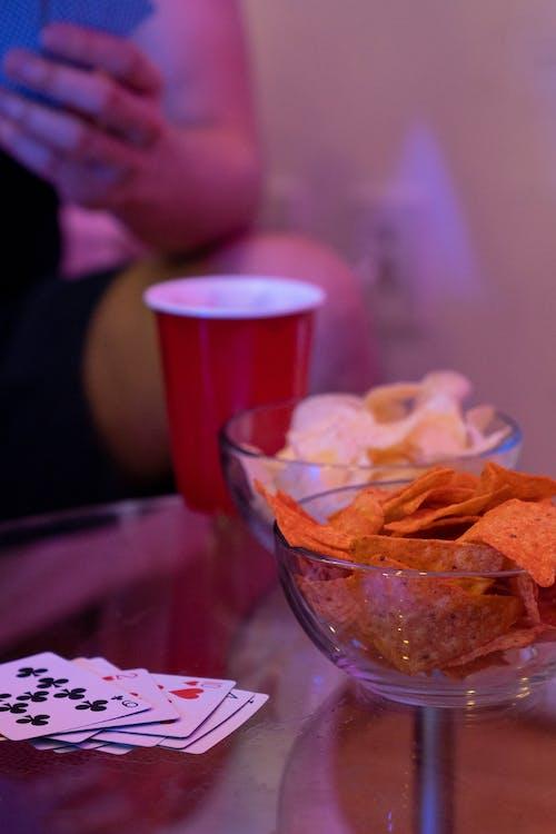 Ingyenes stockfotó asztal, burgonyaszirom, chipek témában