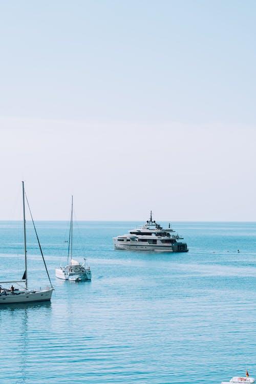 Photos gratuites de bateau, bord de mer, côte