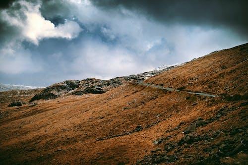 Δωρεάν στοκ φωτογραφιών με βουνό, βράχια, γραφικός, δρόμος