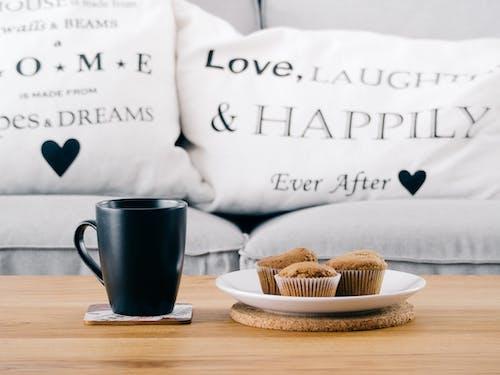 Foto d'estoc gratuïta de cafè, coixins, copa, menjar