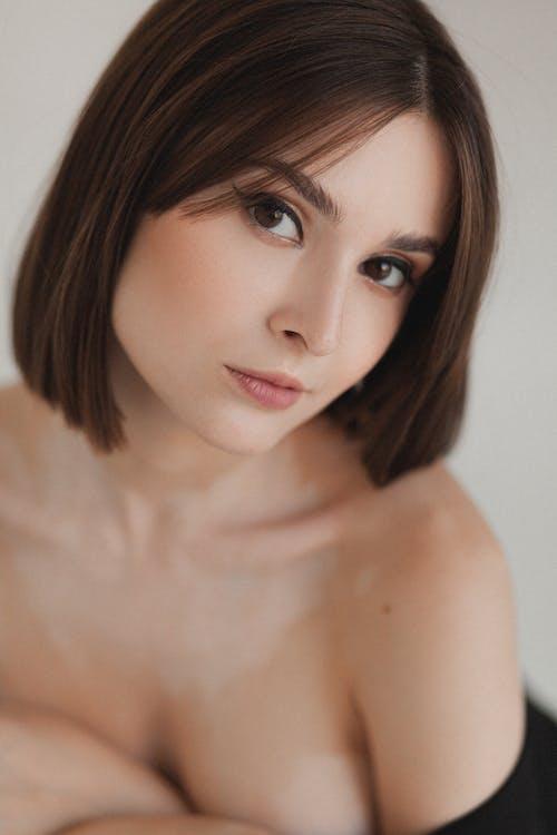 Photos gratuites de belle femme, brune, brunette