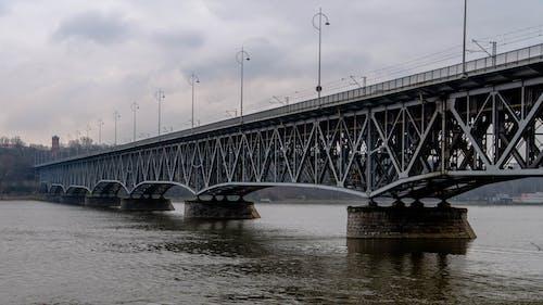 Nahaufnahmefoto Der Betonbrücke