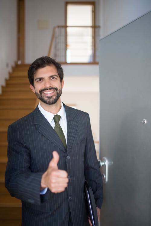 Photos gratuites de agent immobilier, homme barbu, immobilier