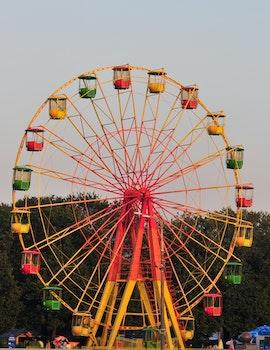 Kostenloses Stock Foto zu freizeitpark, großes rad, riesenrad, farbe