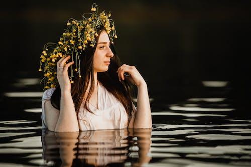 Foto profissional grátis de água, ao ar livre, atraente
