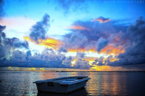 Fotobanka sbezplatnými fotkami na tému jasný, leto, loď, more