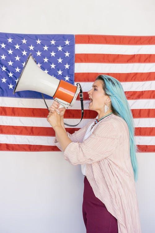 Foto stok gratis bendera amerika, berteriak, megafon