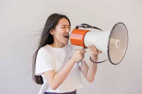 Foto stok gratis berteriak, kaum wanita, megafon