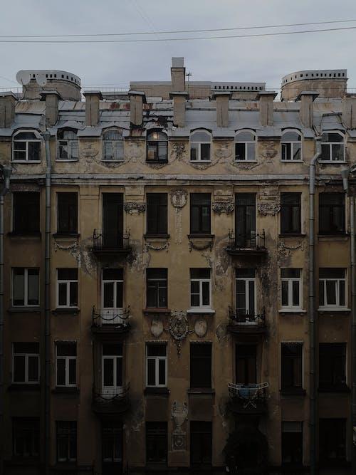 Foto profissional grátis de ao ar livre, aparência, apartamento