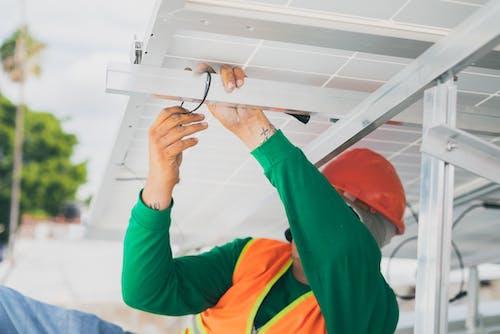 Fotos de stock gratuitas de electricista, equipo de protección personal, instalación