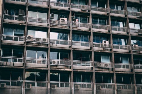 aircon, apartman, bakış açısı, balkon içeren Ücretsiz stok fotoğraf