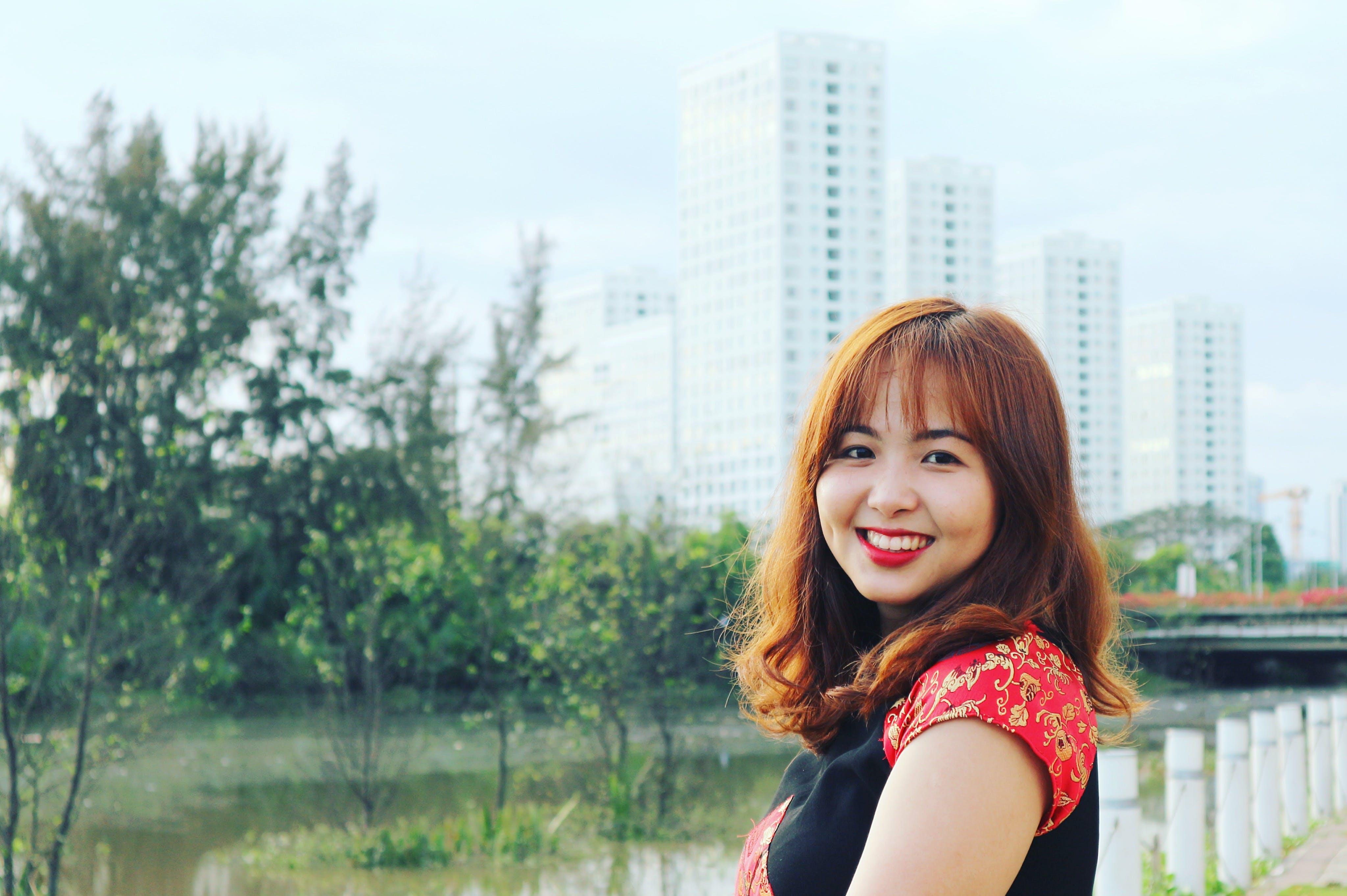 Бесплатное стоковое фото с азиатка, Азиатская девушка, девочка, деревья