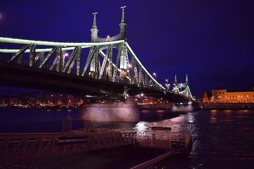 Gratis stockfoto met Boedapest, brug, hongarije, nacht