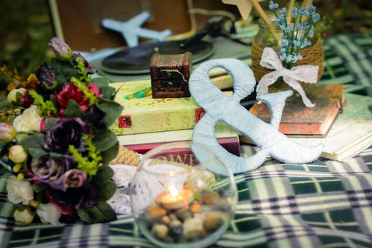 Free stock photo of love, books, bouquet, details