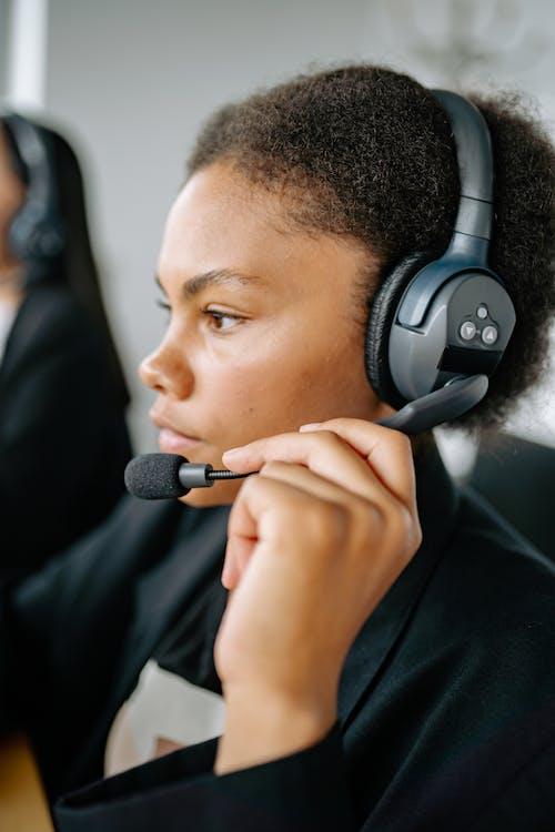 Ingyenes stockfotó afro-amerikai, dolgozó, fejhallgató témában