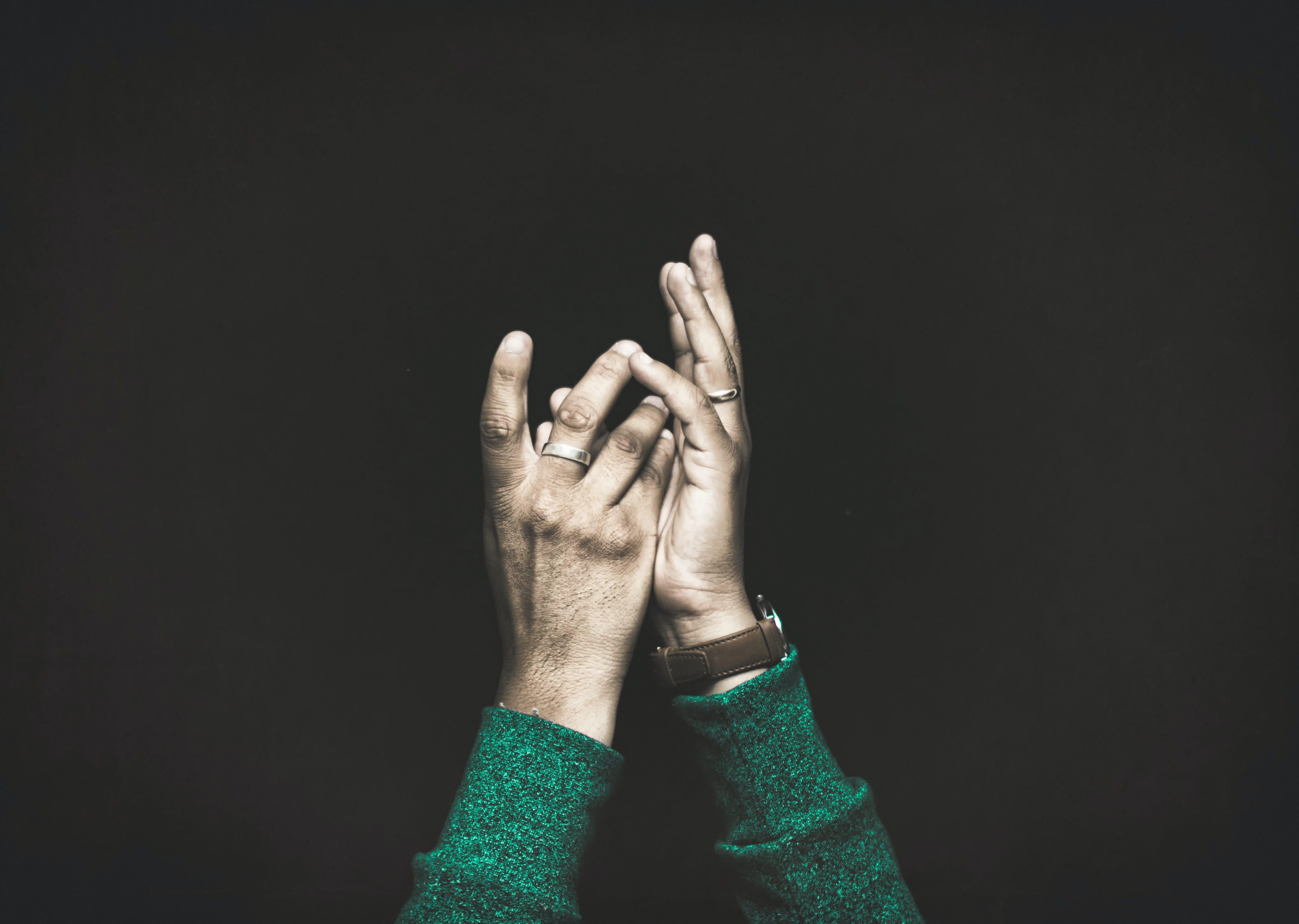 Darmowe zdjęcie z galerii z ręce, zegarek