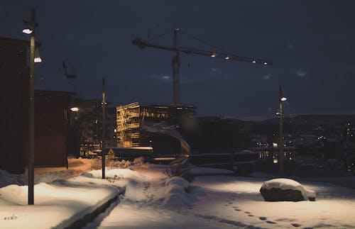 Foto profissional grátis de cidade, construção, estado de espírito, poste de iluminação