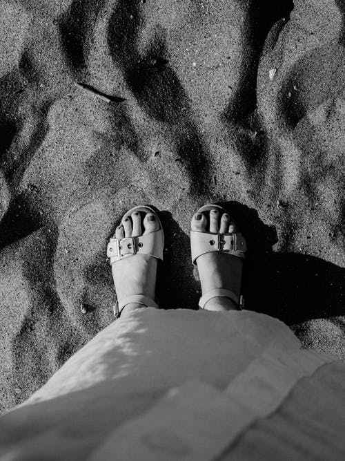 Immagine gratuita di a piedi nudi, adulto, amore