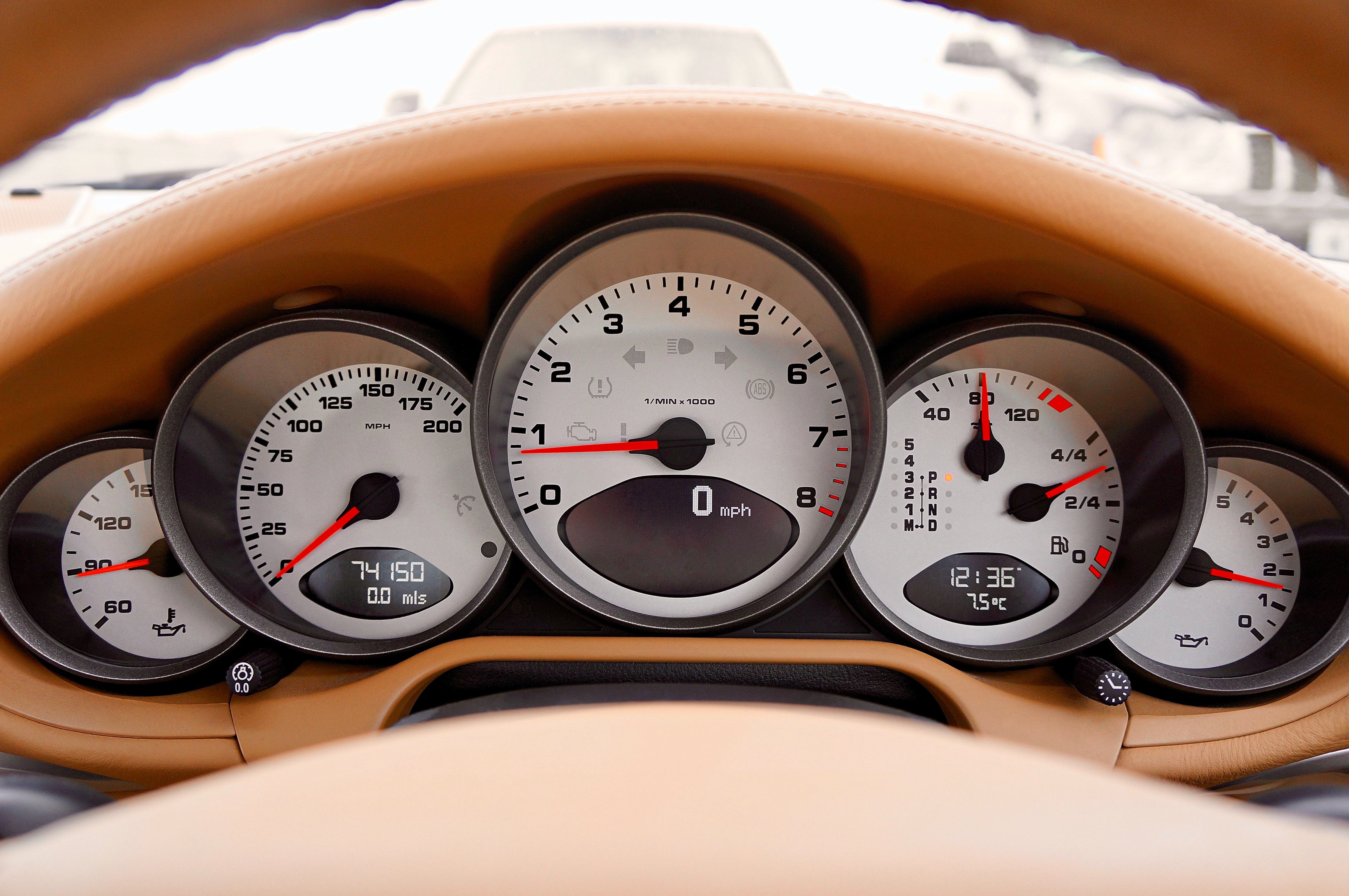 Red and Black Car Speedometer at Neutral · Free Stock Photo