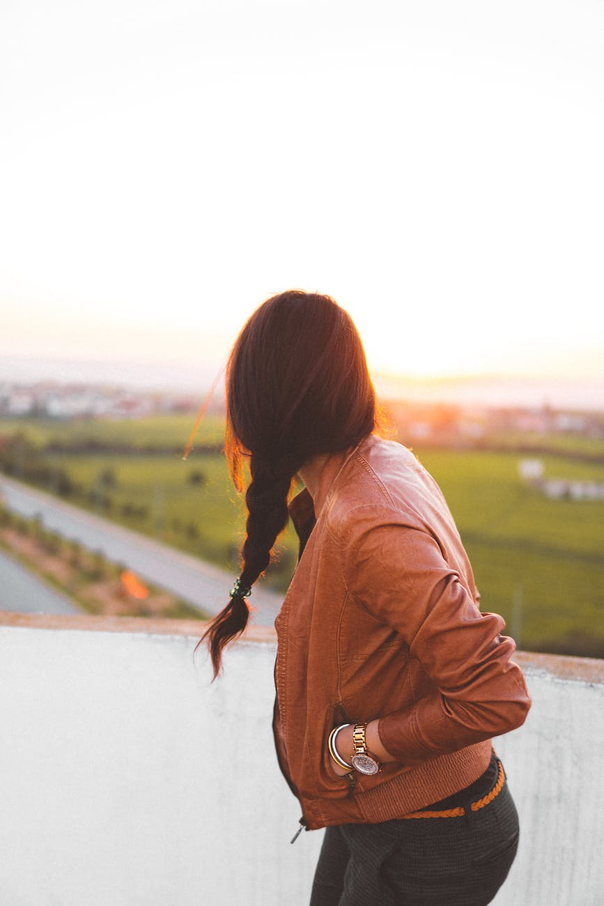 female solo traveling, must know tips for you.