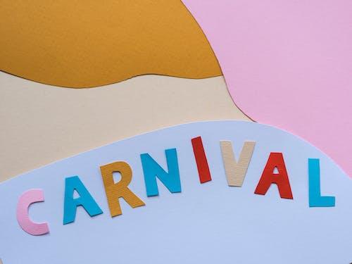 Kostenloses Stock Foto zu ausschnitte, farbige papiere, karneval