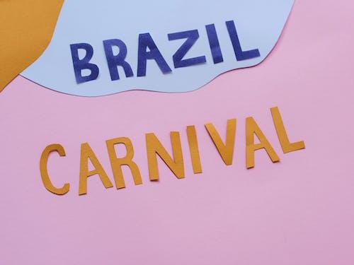 Kostenloses Stock Foto zu ausschnitte, farbige papiere, karneval in brasilien