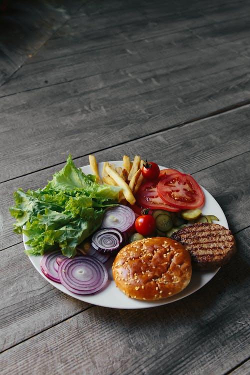 Darmowe zdjęcie z galerii z burger, copyspace, danie