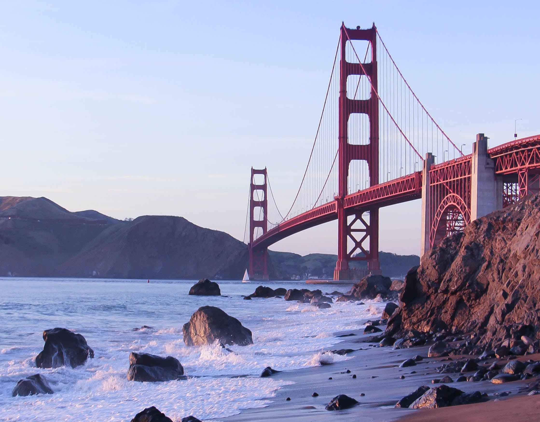 Kostenloses Stock Foto zu brücke, golden gate bridge, hügel, ozean