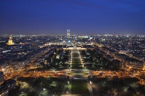 Безкоштовне стокове фото на тему «архітектура, Будівля, вечір, горизонт»
