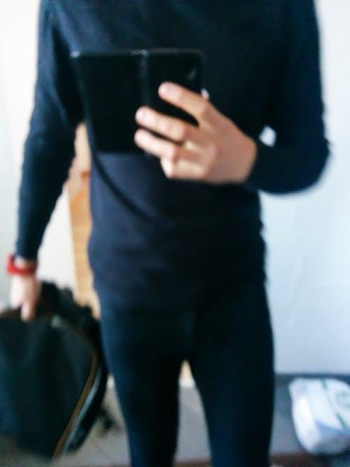 คลังภาพถ่ายฟรี ของ กระจกเงา, กระเป๋าเป้, การสะท้อน