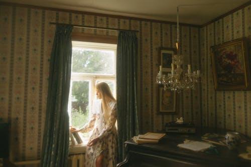 Ingyenes stockfotó ablak, ágy, belsőépítészet témában