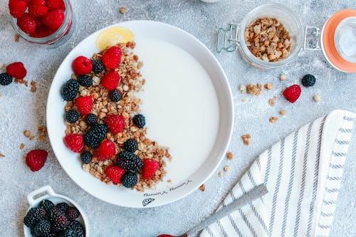 Δωρεάν στοκ φωτογραφιών με blackberries, breakfast flatlay, granola