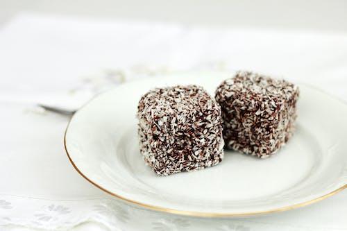 Foto stok gratis cokelat, fotografi makanan, kelapa, kotak