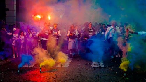 Gratis lagerfoto af farverig, farvet røg, fejring