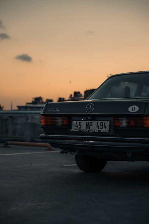 Бесплатное стоковое фото с автомобиль, асфальт, быстрый