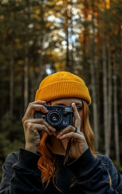 Foto profissional grátis de ao ar livre, aventura, cachecol