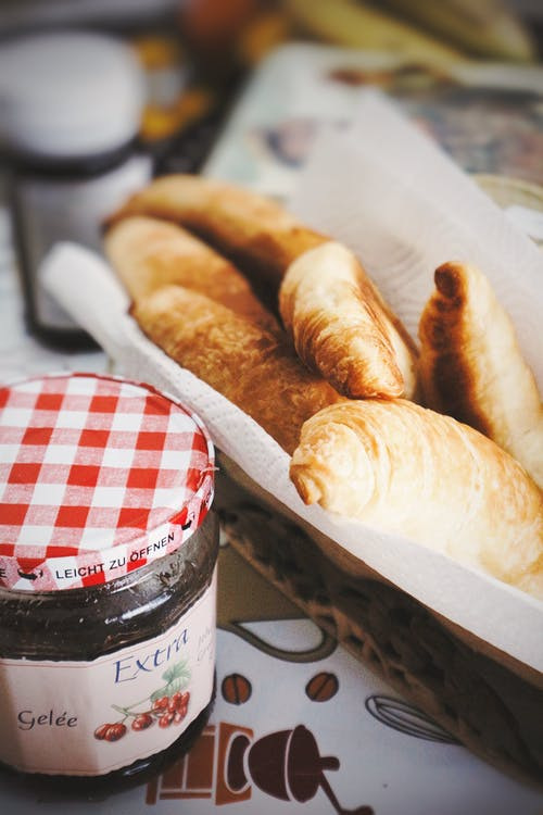 Photos gratuites de aliments, bocal, confiture, croissants