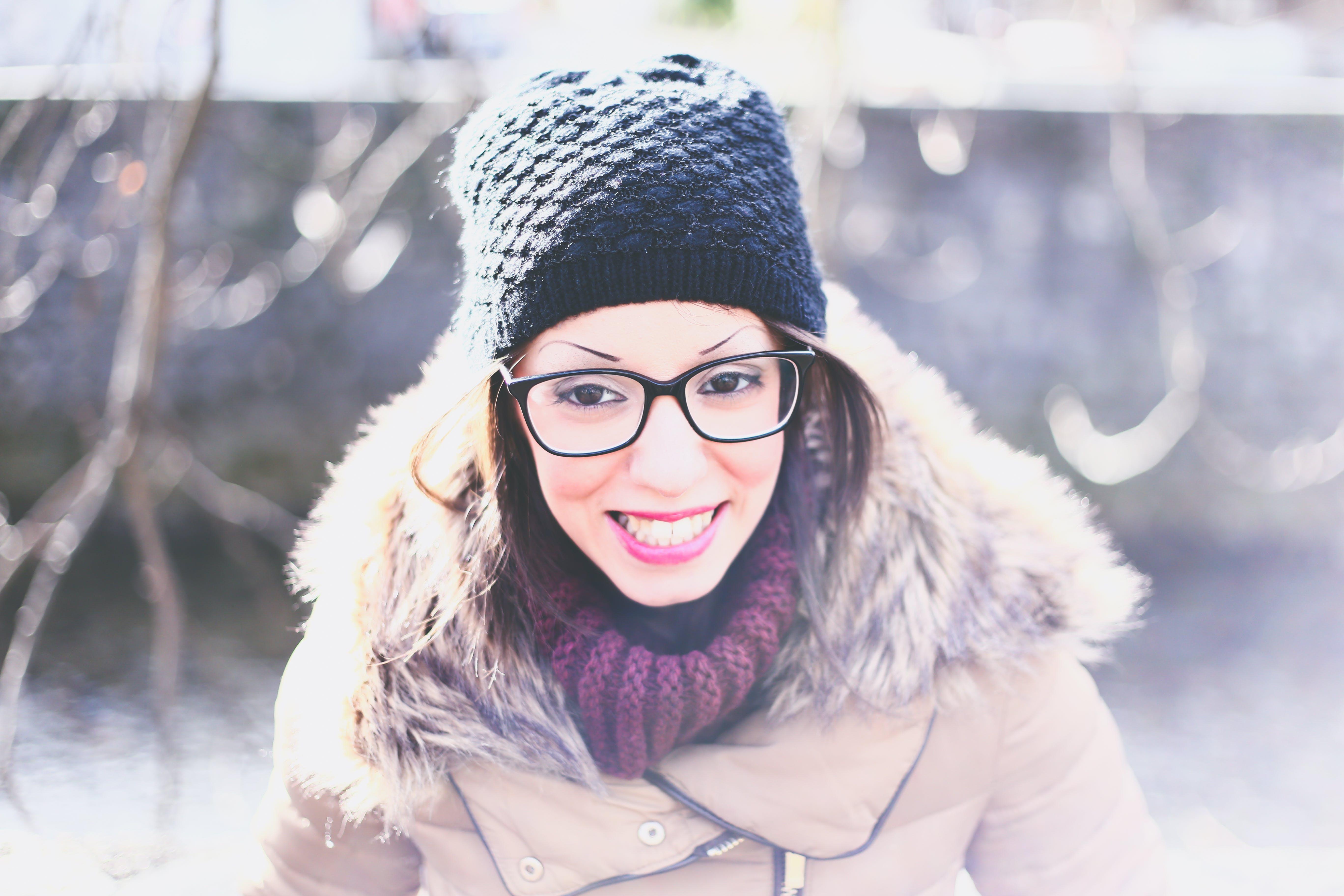 Gratis lagerfoto af beanie, forkølelse, frakke, halstørklæde