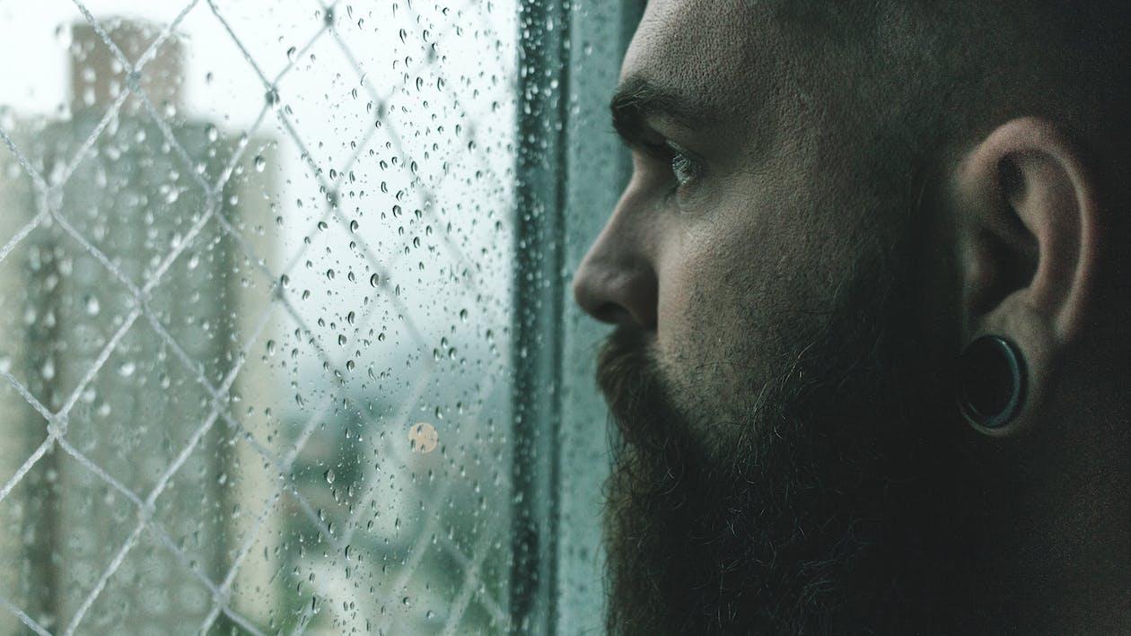 Fotobanka sbezplatnými fotkami na tému človek, dážď, fúzy