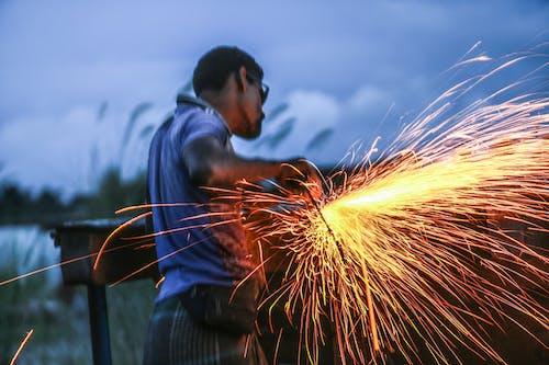 建設労働者, 火花の無料の写真素材