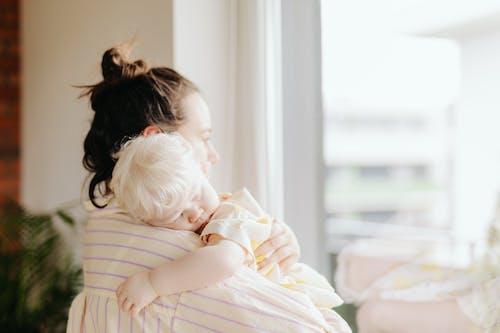 Gratis stockfoto met aanbiddelijk, comfort, familie