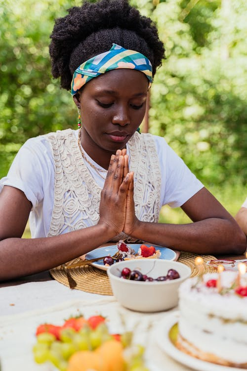 Foto profissional grátis de afro-americano, mulher, mulher negra