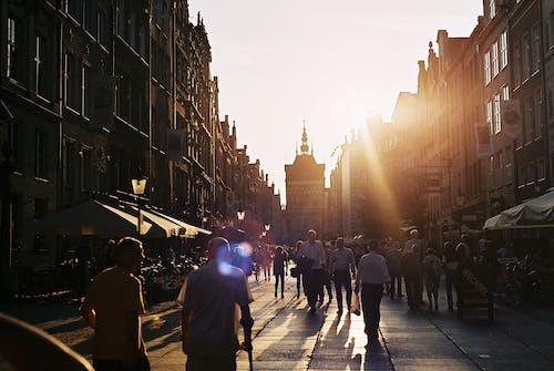 eski şehir, gdansk, Güneş, insanlar içeren Ücretsiz stok fotoğraf